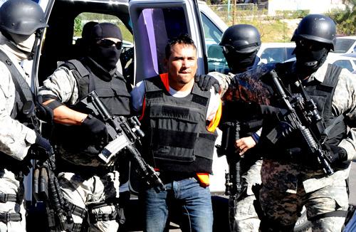 mexicali - Caen secuestradores de la Familia Michoacana en Mexicali (Un EX-GAFE) Tumblr_lyj6em3lOk1r3n1bbo2_500