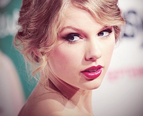 Taylor Swift - Page 21 Tumblr_l8rnz2lYem1qzivgzo1_500