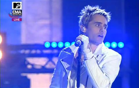 MTV EMA Cérémonie - Page 9 Tumblr_lbj83yBc461qc5nplo1_500
