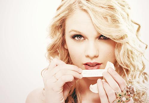 Taylor Swift - Page 22 Tumblr_lft09bhMgM1qzivgzo1_500
