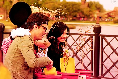 Joe Jonas and Demi Lovato. - Page 3 Tumblr_lgvflspm8Y1qf0kz0o1_500