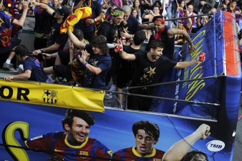 السعادة تغمر لاعبي برشلونة صور جميلة جدا الاحتفال باللقب  Tumblr_ll5ecfAoFM1qdxgrdo1_500