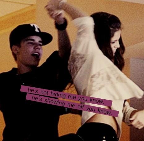 Justin Bieber and Selena Gomez Tumblr_lmh57xusdO1qdrdsto1_500