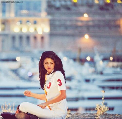 Selena Gomez[2] - Page 3 Tumblr_lmqq0jTPEa1qf1yngo1_500