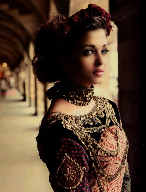 Aishwarya Rai Bachchan - Stránka 4 Tumblr_lmrq4zdJd41qkf4cco1_500
