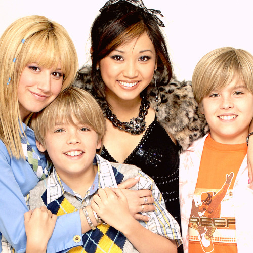 Zac si Cody Suite Life - Page 2 Tumblr_lp1rryfeAU1qk79u8o1_500