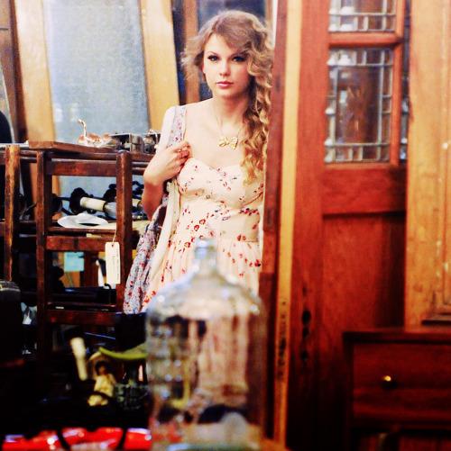 Taylor Swift - Page 6 Tumblr_lpem6xKEBP1qfphwuo1_500