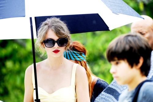 Taylor Swift - Page 5 Tumblr_lperrixd4T1qd4t9bo1_500