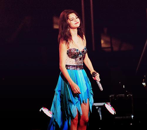 Selena Gomez[2] - Page 3 Tumblr_lpwjii8eIX1qd247go1_500