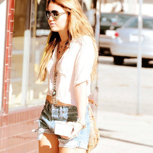 Miley Cyrus [2] - Page 3 Tumblr_lqj7ayILcW1qlzi2ro1_500
