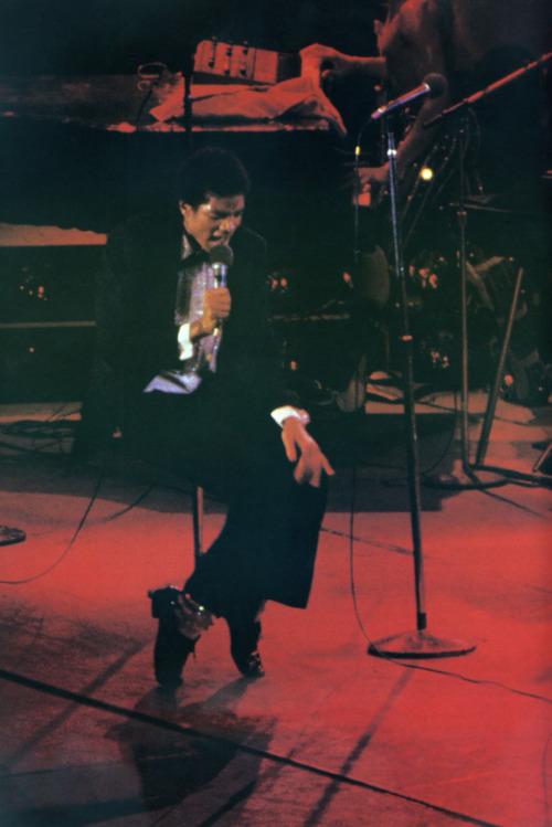 Raridades: Somente fotos RARAS de Michael Jackson. - Página 4 Tumblr_lr0yzajAcc1qa26dno1_500