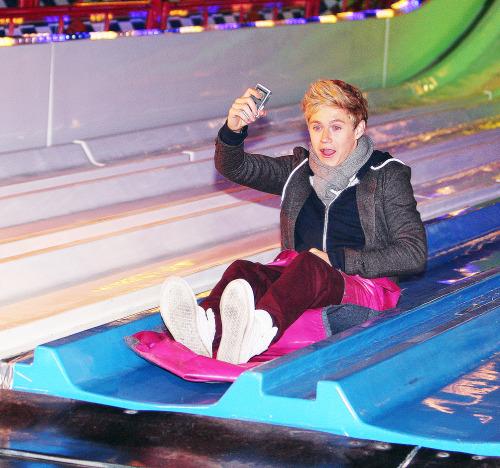 "One Direction (X Factor UK) >> album ""Up All Night"" [IV] Tumblr_luu0ekNWdK1qlhc64o1_500"