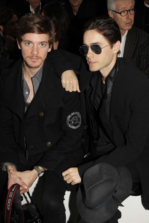 Jared Leto @ défilé Dior / Paris - 21 janvier 2012  Tumblr_ly65ojxvnx1qzc9e9o1_500