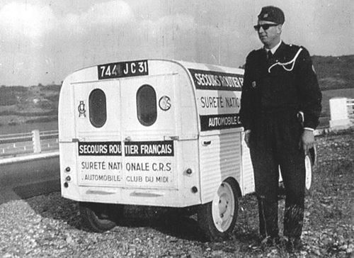 La police est sympathique  2cv-police-secoursroutier1