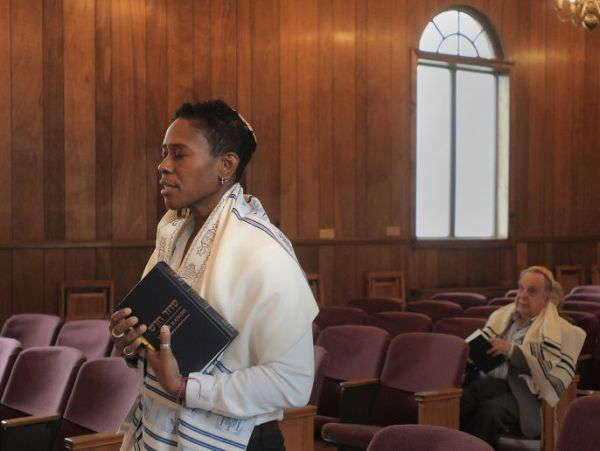 Sandra Lawson :Rabbi noire Lesbienne Sandra-lawson
