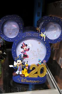 [20 ans] Marchandises du 20e anniversaire de Disneyland Paris  - Page 4 IMG_4447