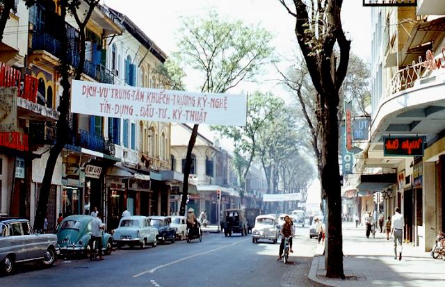 không - 42 tháng Tư và cuộc chiến không bom đạn Saigon-05a