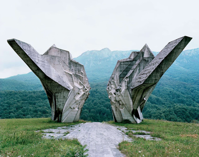 Construcciones abandonadas de la antigua URSS Spomenik_16