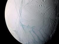 CONNEXION ÉLECTRIQUE ENTRE SATURNE ET SA LUNE ENCELADE  Enceladus