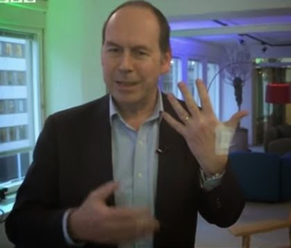 La Marque : Des scientifiques déclarent que les puces électroniques implantées ne seront 'Plus une Option' - Page 3 BBC%2BRFID