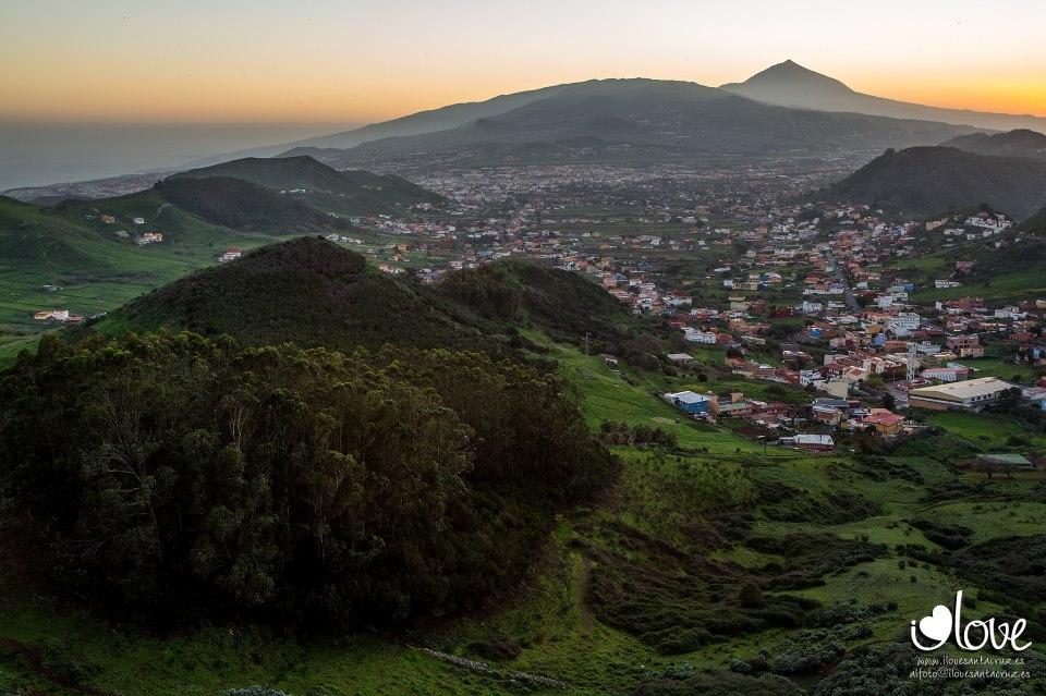 La imagen de las Islas Canarias 121229_la-laguna-desde-el-mirador-de-jardina_teide-al-fondo_i-love-santa-cruz