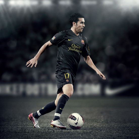Pedro Rodriguez FC%2BBarcelona%2BAway%2BKit%2B2011-2012%2BBlack%2BQatar%2BFoundation%2BPedro