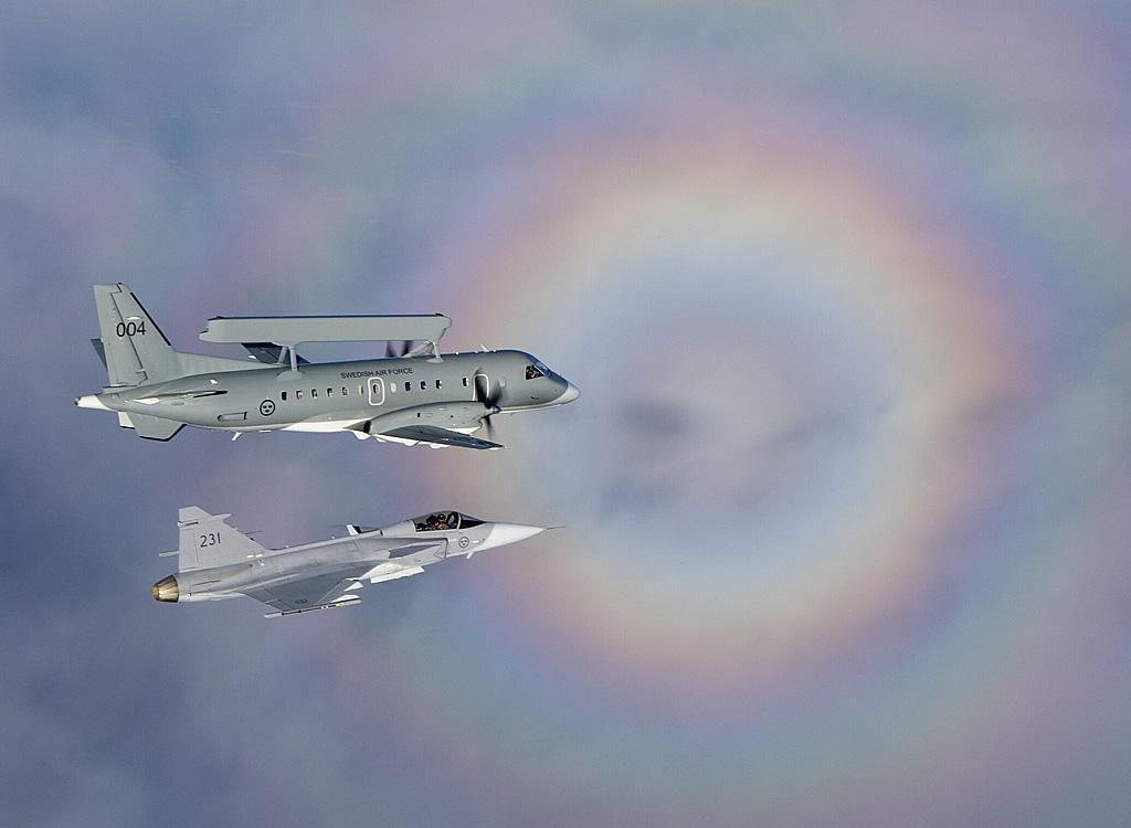 الفتخاء السويدية JAS-39 بالتفصيل الغير ممل! AIR_S-1000_and_JAS-39_lg