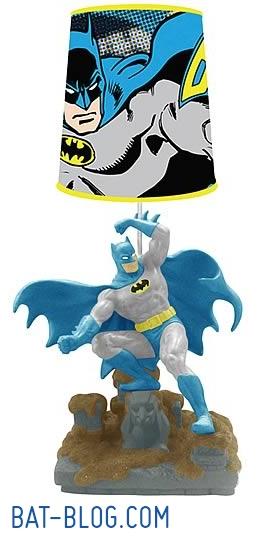Batman Home Design - Page 2 Westland-batman-statue-lamp
