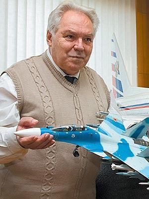 Muere el padre del SU-27 Flanker Mikhail%2BSimonov