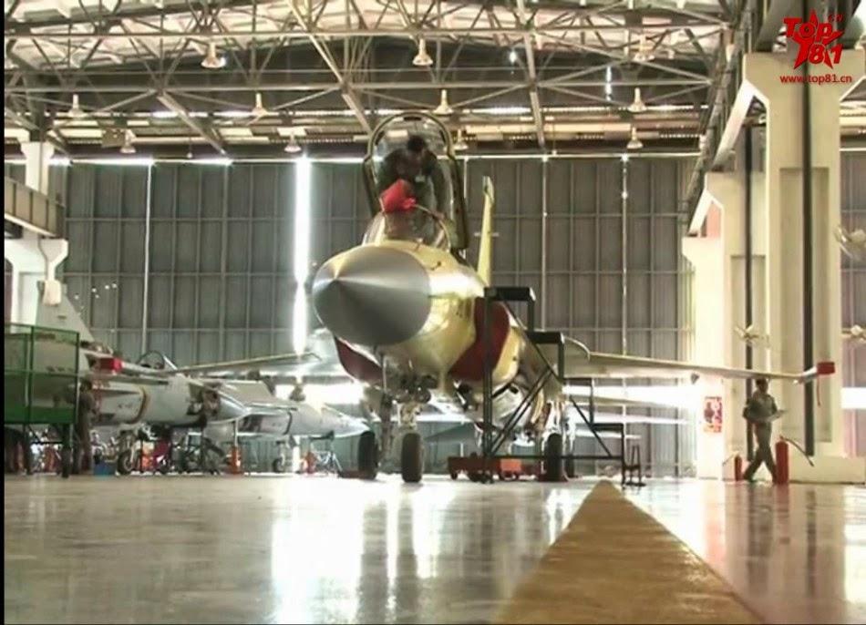 Pakistan - Página 3 Assembly%2Bline%2Bof%2BPakistani%2BJF-17%2BBlock2%2Bfighters%2B6