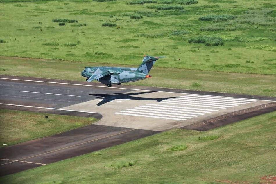 Brasil - Página 39 Brazilian-made%2Btransport%2Baircraft%2Bcompleted%2Bits%2Bfirst%2Bflight%2BKC390%2B5
