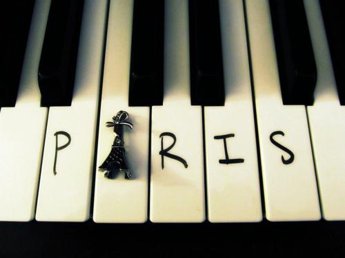 Paris city of love Tumblr_liv9k61BHU1qfbif6o1_500_large