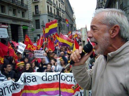 El PCPE cruza la frágil barrera que separa el socialismo nacional y el nacionalsocialismo 4166282536_db578bcc2c_o