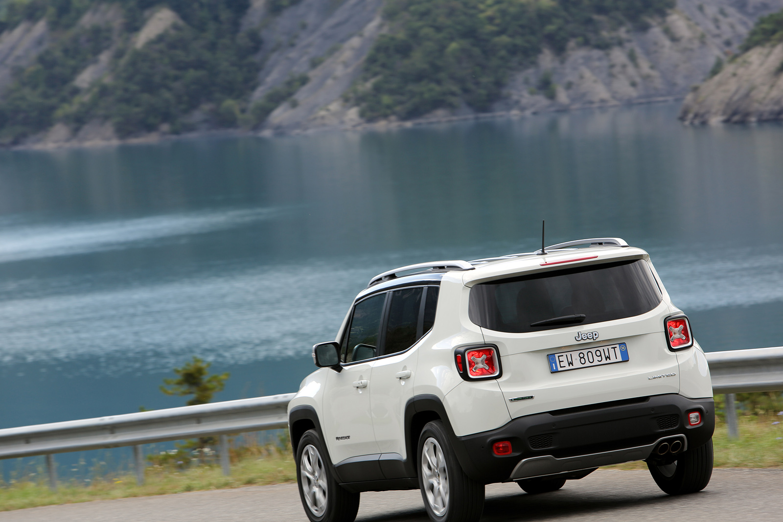 2014 - [Jeep] Renegade - Page 10 Jeep-Renegade-Limited-9