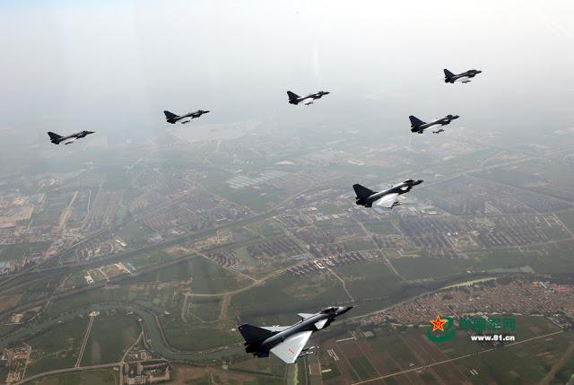 R. P. China - Página 41 Shenyang%2BJ-11%2Bflying%2Bin%2Bformation%2B2