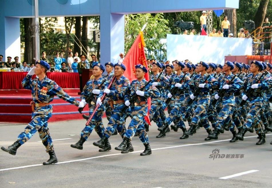 Vietnam - Página 6 Thousands%2Battend%2Brehearsal%2Bfor%2B40th%2Banniversary%2Bcelebrations%2Bof%2BVietnam%2BLiberation%2BDay%2Bparade%2B7