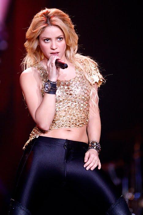 Galería » Apariciones, candids, conciertos... - Página 2 Shakira_arena2_393646S0