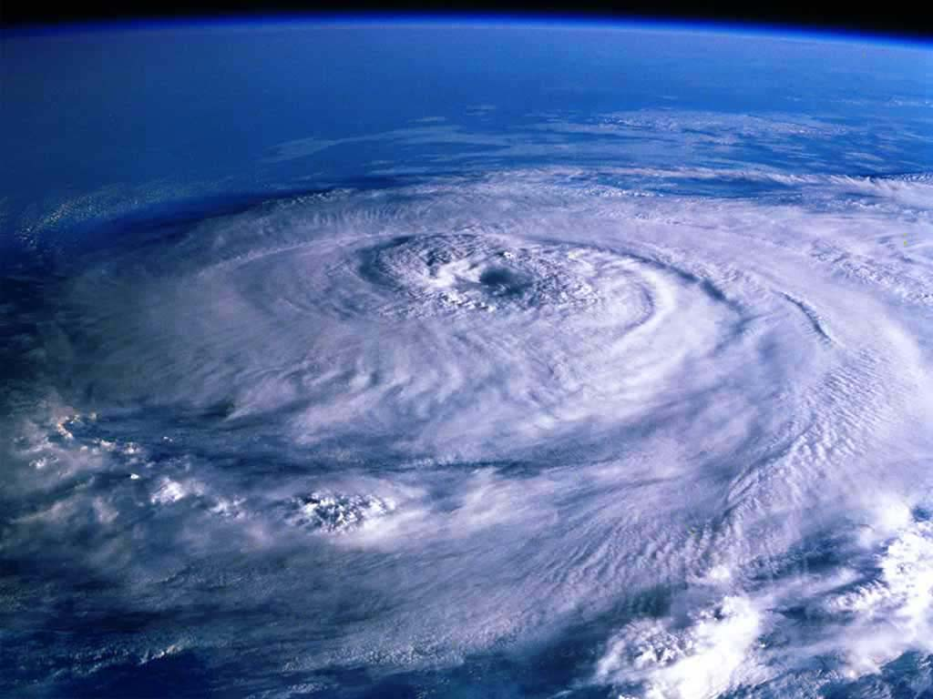 supera la imagen anterior Ojo-del-huracan