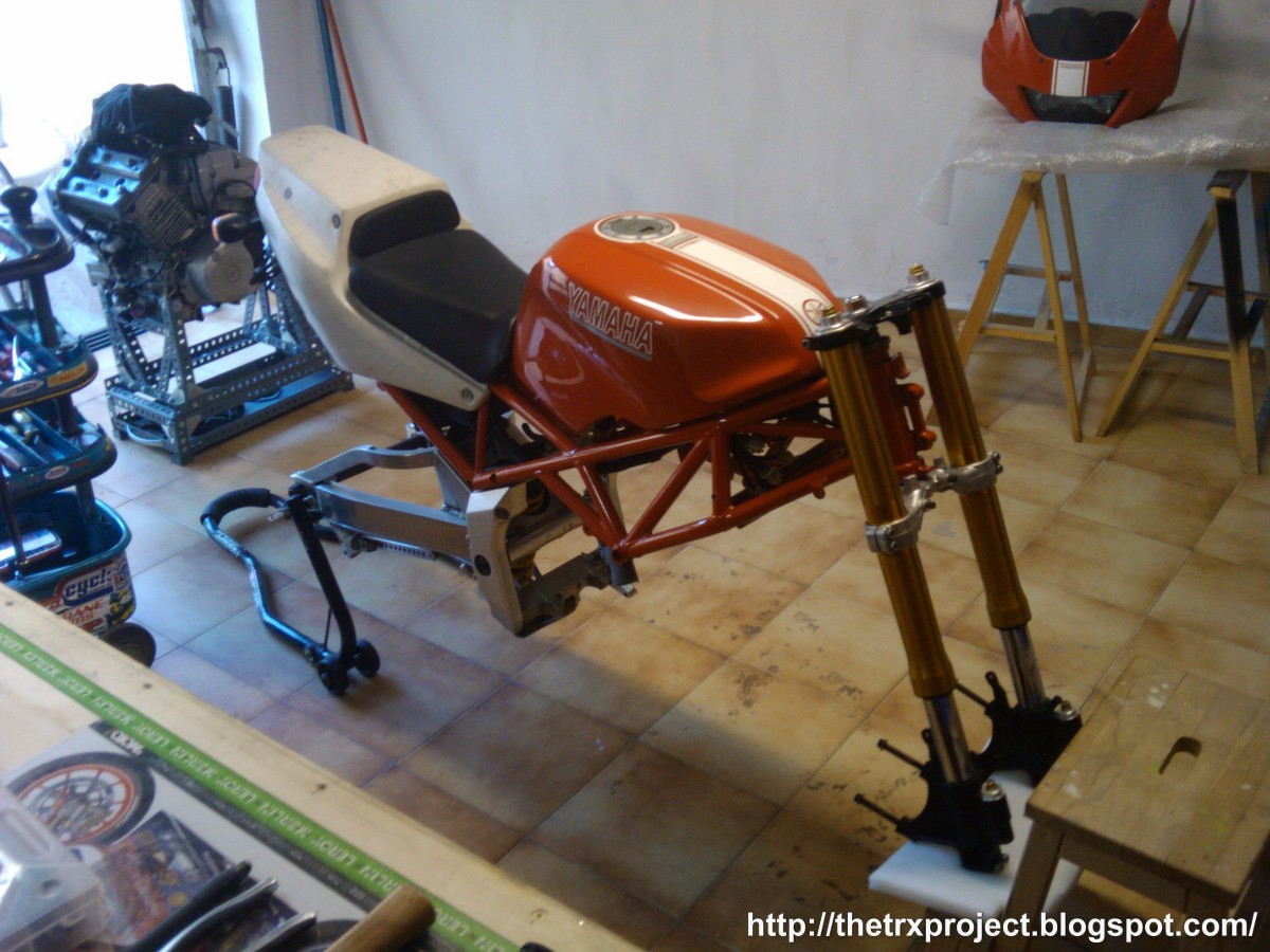 Work in progress - Page 2 TheTRXproject_Yamaha_R1_Yokes_TRX850_R6r_forks_0011