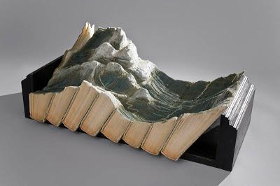 فن النحت على الكتب Landscapes-carved-into-books-guy-laramee-5