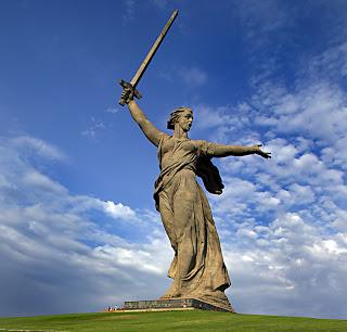 Las estatuas más impresionantes del Mundo  Estatua%2BMadre%2BPatria%2B1