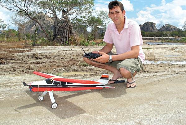 Aeromodelismo - Diversão nos ares do interior do Ceará  Imagem.asp22