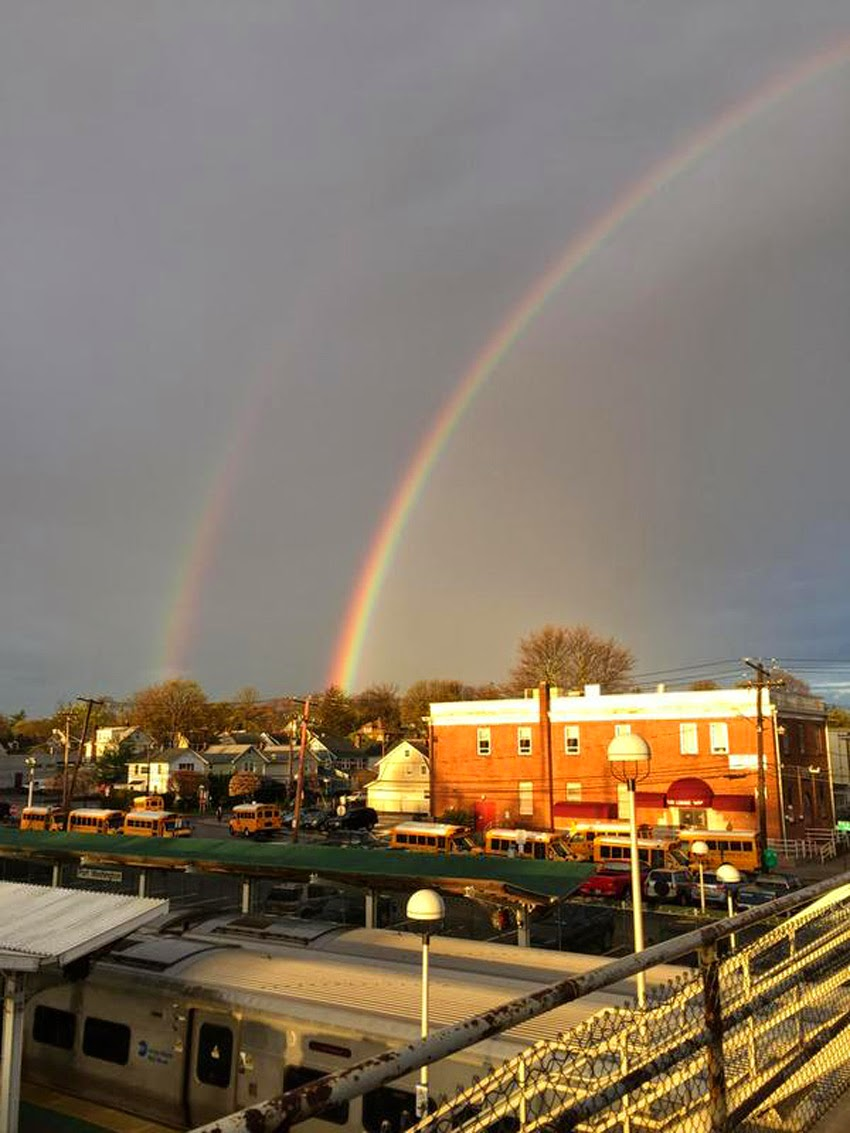 "WEATHER PHENOMENON: ""I Didn't Realize How Rare It Was,... It Was Beautiful"" - QUADRUPLE RAINBOWS Spotted On Long Island, New York! [PHOTOS] Quadruple_rainbows03"