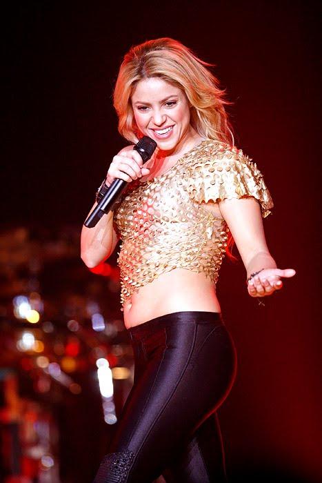 Galería » Apariciones, candids, conciertos... - Página 2 Shakira_arena3_393645S0