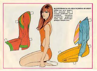 Les tenues étonnantes de Françoise Hardy Poupee2kw7