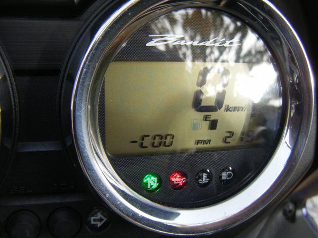Dúvida, Luz vermelha gsxr 2005 DSCF4306