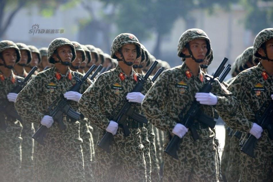 Vietnam - Página 6 Thousands%2Battend%2Brehearsal%2Bfor%2B40th%2Banniversary%2Bcelebrations%2Bof%2BVietnam%2BLiberation%2BDay%2Bparade%2B2