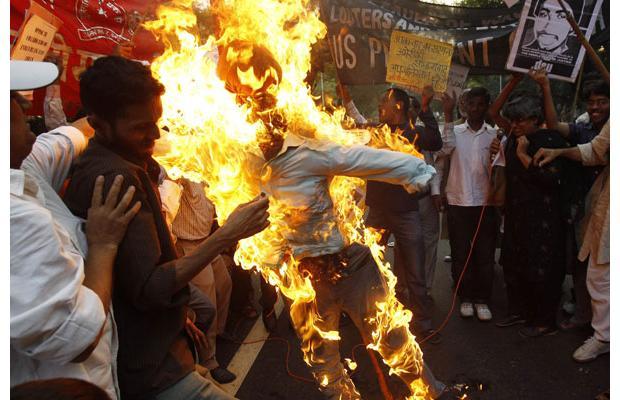 Trabajadores del té quemaron vivo a su jefe 3793903