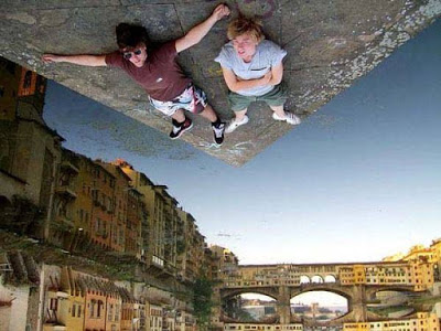 Amazing Forced Perspective %2521cid_15_2792665741%2540web137306_mail_in_yahoo