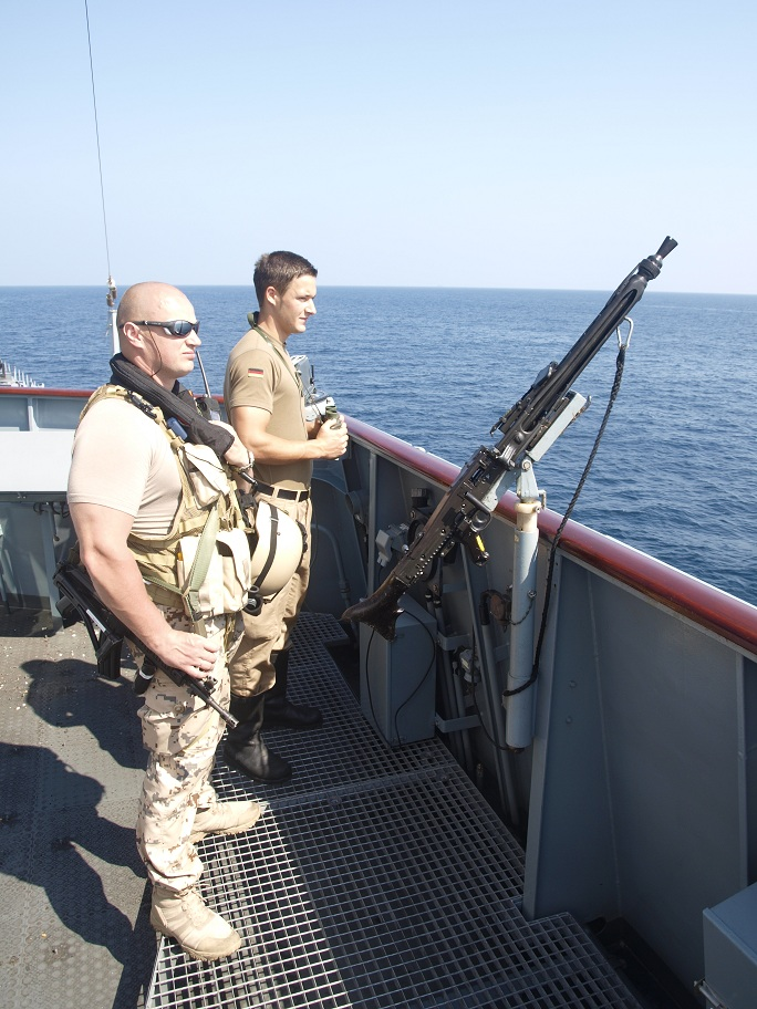 estonie Estonia-is-contributing-in-the-fight-against-piracy-off-Somalia-with-the-provision-of-a-VPD-onboard-the-EUNAVFOR-German-ship-FGS-HAMBURG